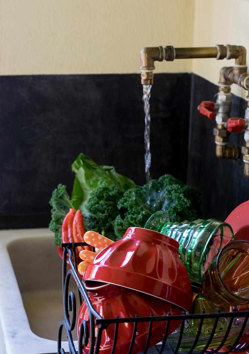H κουζίνα του Νεανικόν